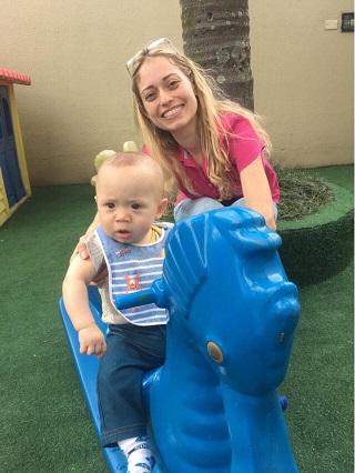 Juliana com seu filho Gabriel